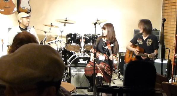 カラフルRainy Season Live@ZOEのライブレポ!_e0188087_22193336.jpg