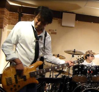 カラフルRainy Season Live@ZOEのライブレポ!_e0188087_22301114.jpg