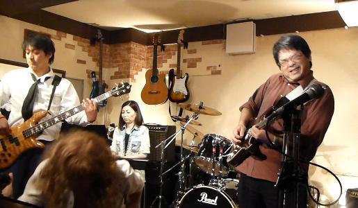 カラフルRainy Season Live@ZOEのライブレポ!_e0188087_22325217.jpg