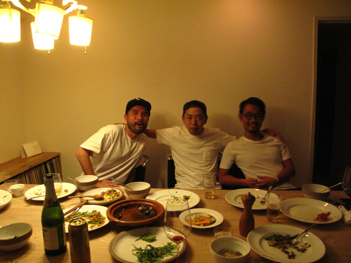 SUNSEAレストラン目黒系白T3兄弟_f0170995_18365693.jpg