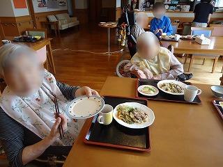 お好み焼き作り<アクティブライフ山芦屋・グループホーム>_c0107602_14413115.jpg