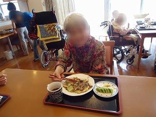お好み焼き作り<アクティブライフ山芦屋・グループホーム>_c0107602_14414881.jpg