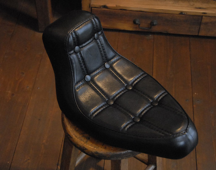 CUSTOM MADE LEATHER SEAT_c0146807_9352887.jpg