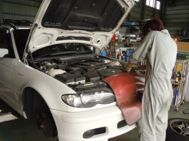 BMW 車検整備中です(^^♪_c0213517_1443249.jpg