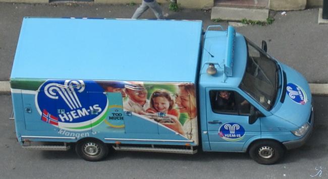 アイスクリーム車_a0086828_2111681.jpg
