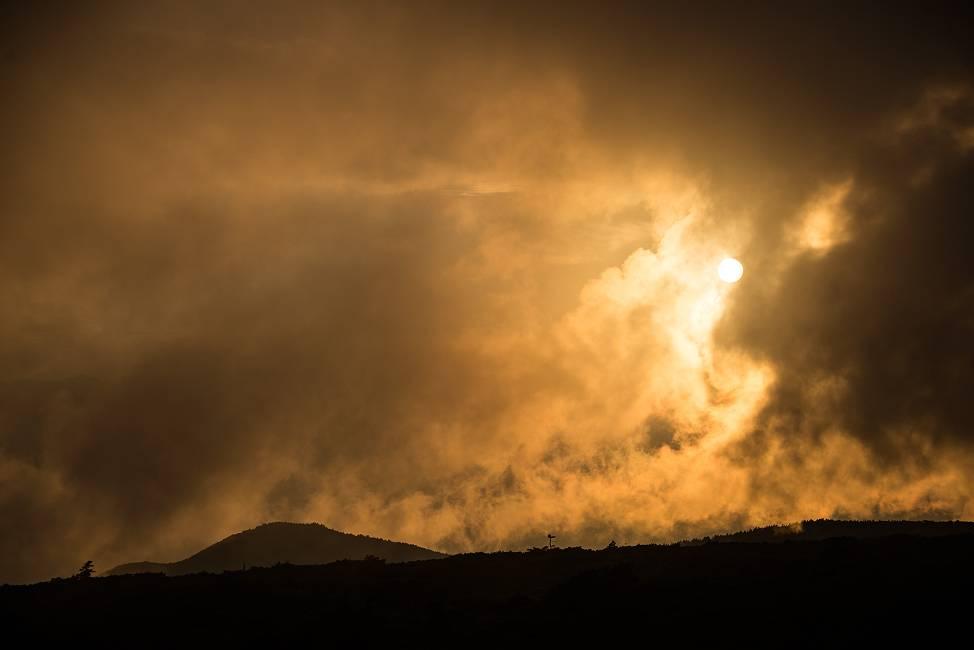 スーパームーンの日の夕陽_e0271864_21532590.jpg