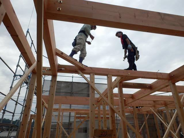 大分市森町で棟上げをしました。_e0266187_9394410.jpg