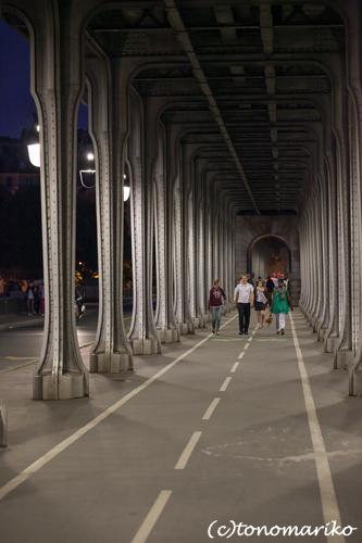 夜のパリさんぽ セーヌ川沿いへ_c0024345_827776.jpg