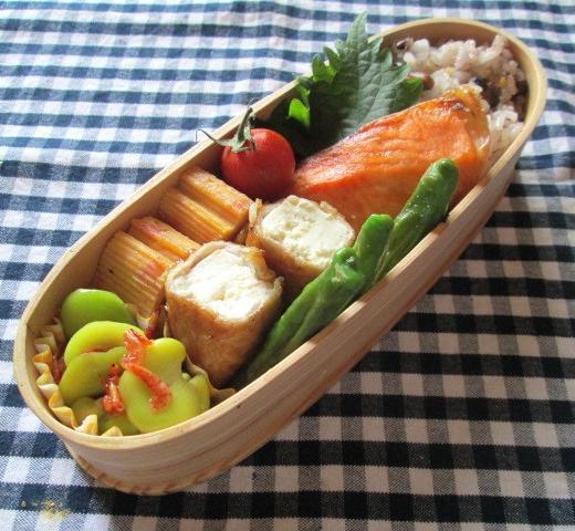 6.25 木綿豆腐の肉巻き・シャケ弁当と朝粥_e0274872_7551490.jpg