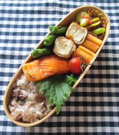 6.25 木綿豆腐の肉巻き・シャケ弁当と朝粥_e0274872_75645100.jpg