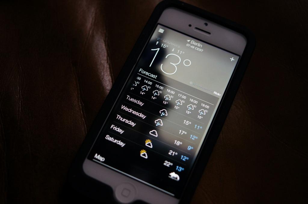 今朝は外気温13℃、雨。_c0180686_18135892.jpg