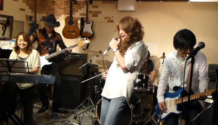 カラフルRainy Season Live@ZOEのライブレポ!_e0188087_21205065.jpg