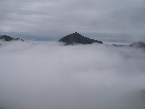 西岳の雪きり_f0219043_936980.jpg
