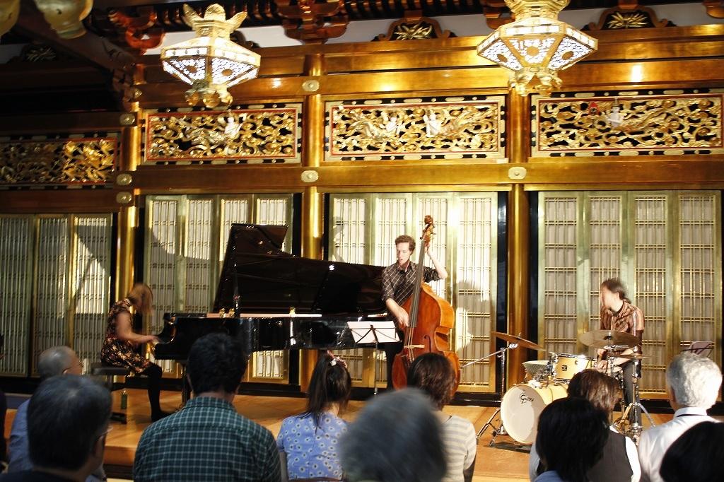 Nat Bartsch Trio - ツアー終了 - 音の楽園_e0081206_8565930.jpg