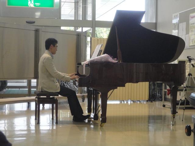 .西条市周桑病院ピアノ独奏のロビーコンサート…2013・6・27_f0231709_19375839.jpg