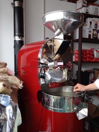 第5話 オランダの最新鋭ギーセン焙煎機の導入_a0143042_19515221.jpg