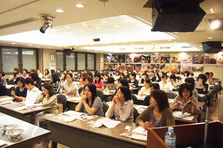 小嶋ルミ先生のスポンジケーキに学ぶ丁寧なお菓子作り。イベントレポ☆_f0149855_14271829.jpg