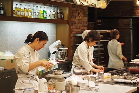 小嶋ルミ先生のスポンジケーキに学ぶ丁寧なお菓子作り。イベントレポ☆_f0149855_1427748.jpg