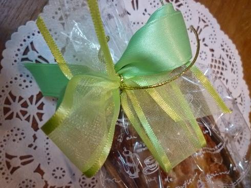 6月。。。83歳になられた おばさまから の 贈り物のパウンドケーキと 紫陽花色のteatime☆.。†_a0053662_11313346.jpg