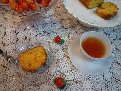 6月。。。83歳になられた おばさまから の 贈り物のパウンドケーキと 紫陽花色のteatime☆.。†_a0053662_11425942.jpg