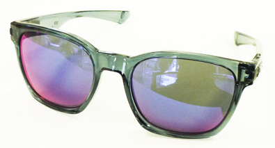 OAKLEY CRYSTALBLACK COLLECTION HOLBROOK&GRAGEROCK入荷!_c0003493_10503872.jpg