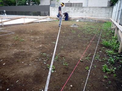 家を建てる位置を決める作業_a0148909_1012454.jpg