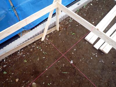 家を建てる位置を決める作業_a0148909_101626.jpg