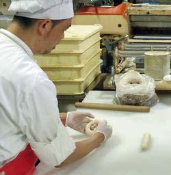 人気ブーランジェリー風見鶏 6月の製パン講習会-ベーグル_b0133017_617354.jpg