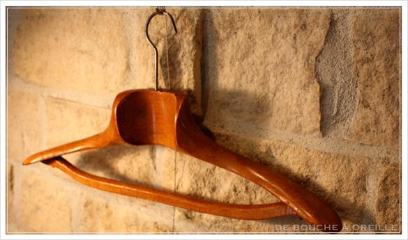 cintre ancien en bois 古い木製のハンガー_d0184921_1444655.jpg