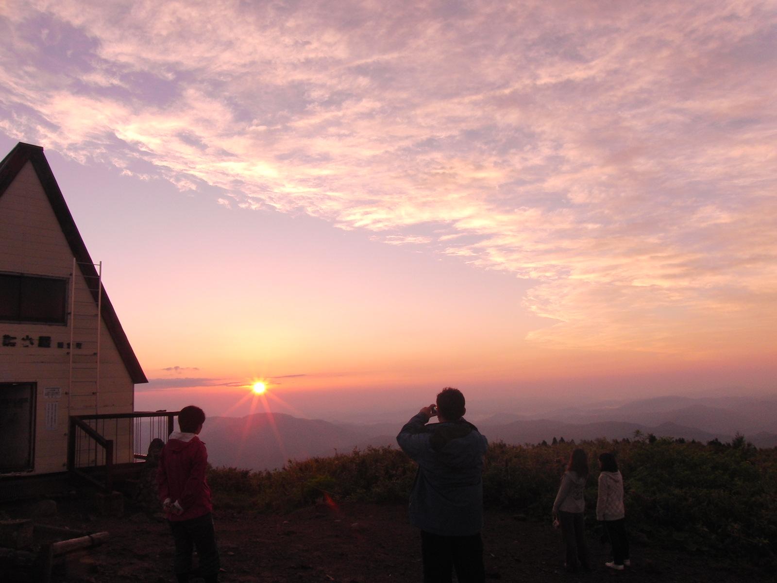 氷ノ山より朝日をプレゼント!_f0101226_10404135.jpg