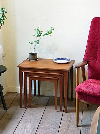 nesting table_c0139773_13171675.jpg
