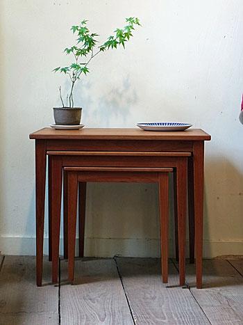 nesting table_c0139773_13172697.jpg
