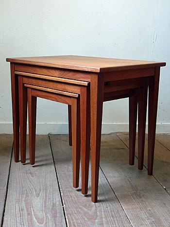 nesting table_c0139773_13173458.jpg