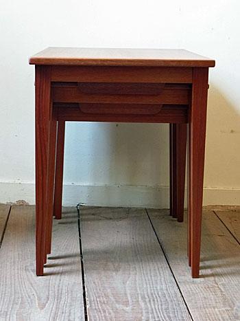 nesting table_c0139773_13174865.jpg