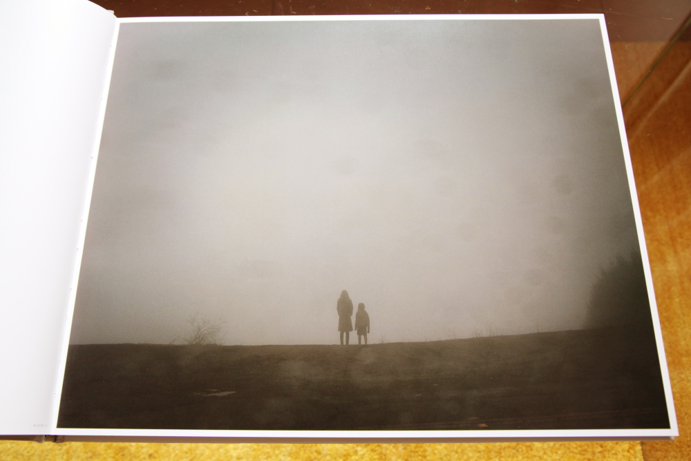 Todd Hido 「Excerpts from Silver Meadows」_c0016177_146588.jpg