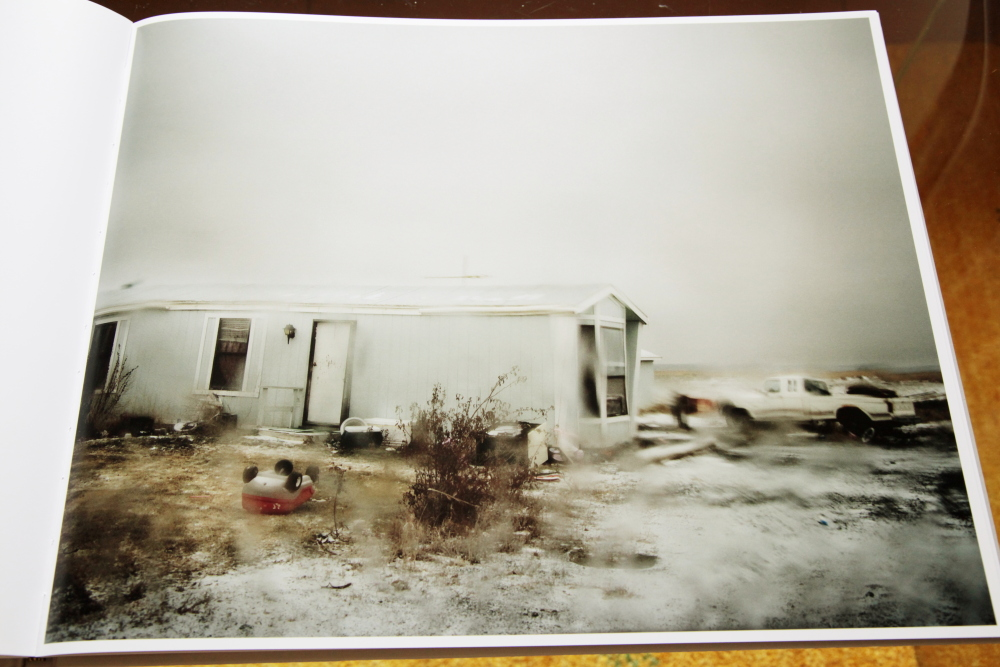 Todd Hido 「Excerpts from Silver Meadows」_c0016177_1481662.jpg