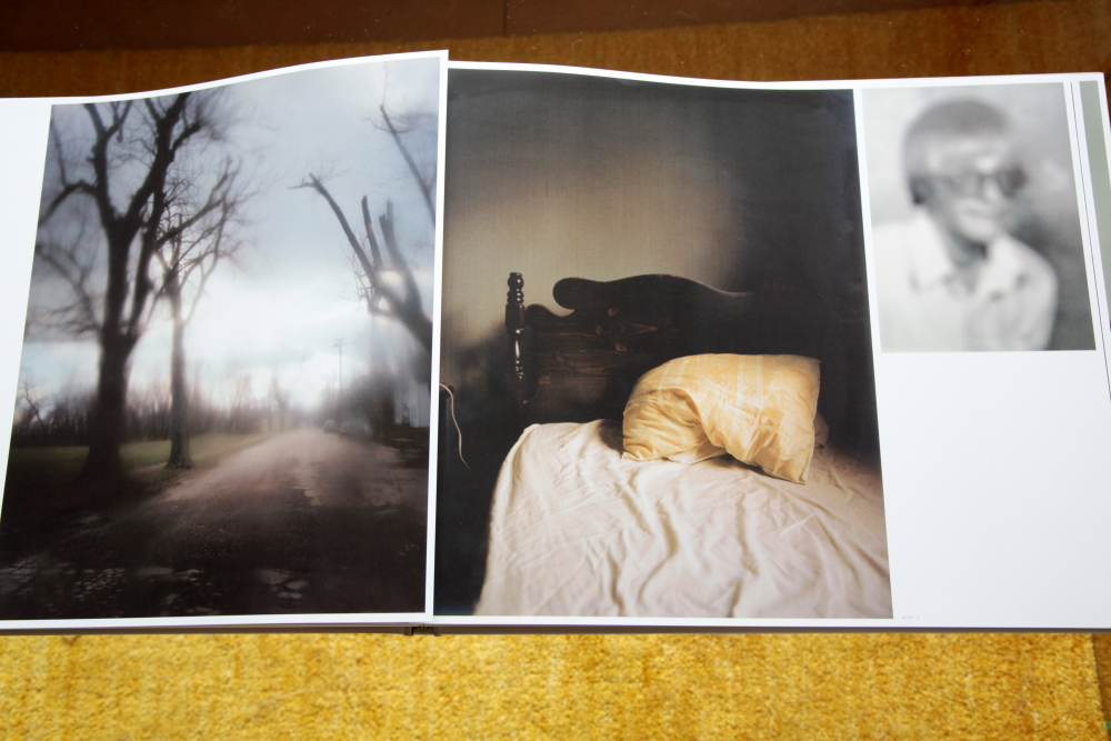 Todd Hido 「Excerpts from Silver Meadows」_c0016177_1482322.jpg
