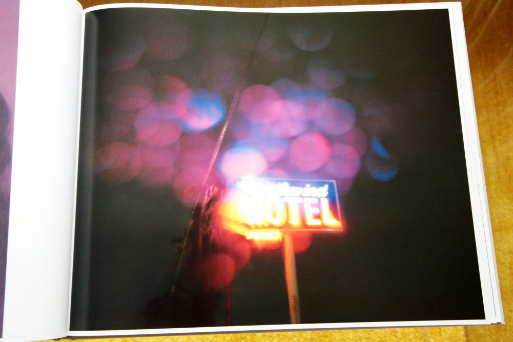 Todd Hido 「Excerpts from Silver Meadows」_c0016177_1483611.jpg