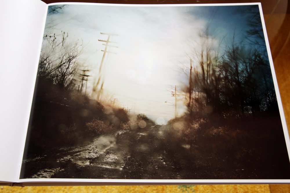 Todd Hido 「Excerpts from Silver Meadows」_c0016177_148386.jpg