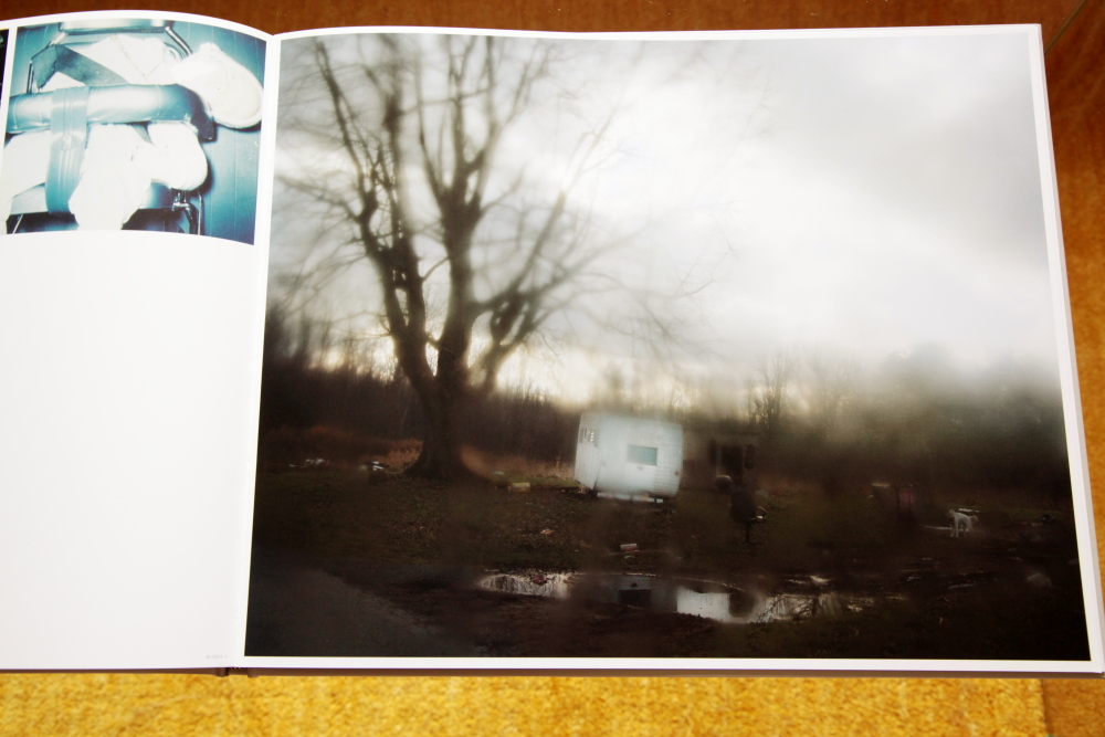 Todd Hido 「Excerpts from Silver Meadows」_c0016177_1485086.jpg