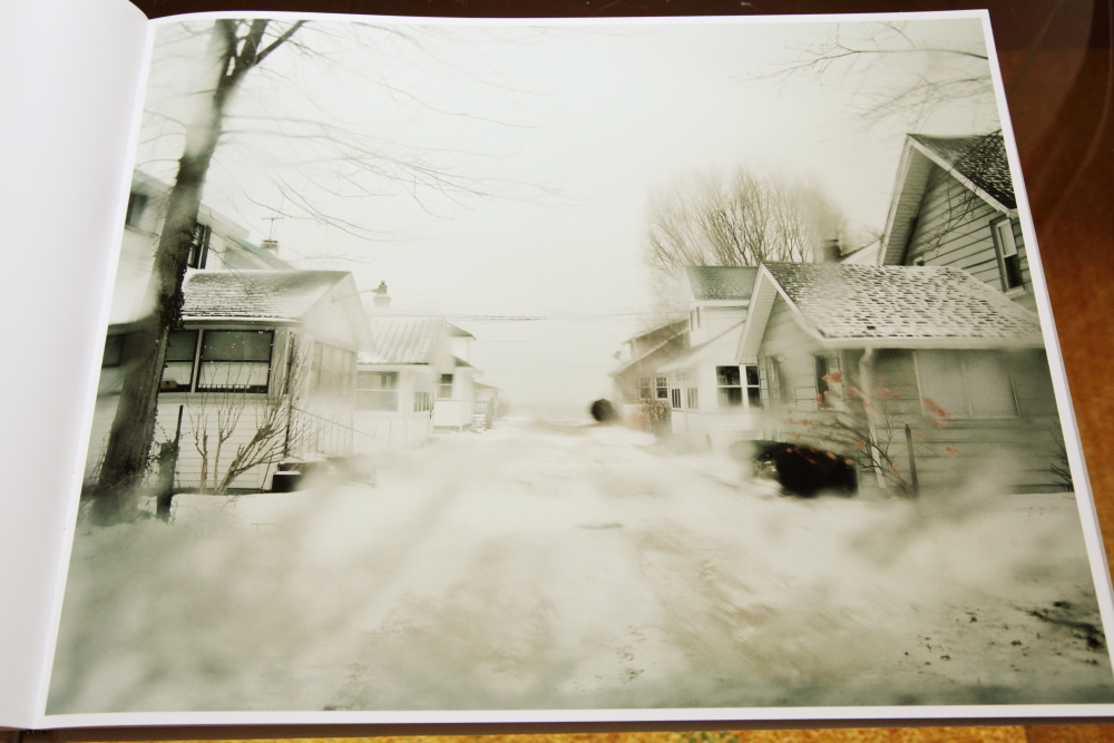 Todd Hido 「Excerpts from Silver Meadows」_c0016177_148958.jpg