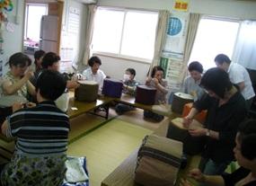 牛乳パックで椅子作りにチャレンジ_d0250505_16443783.jpg
