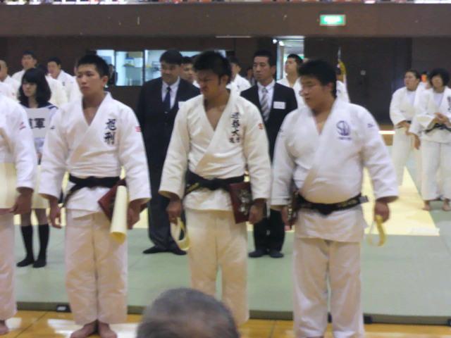 東北・北海道対抗柔道大会、先輩達が活躍!_c0095841_95306.jpg