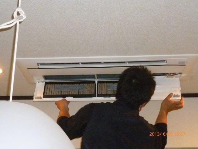 隠蔽配管仕様 マルチエアコンの入替え 2_e0207151_1911592.jpg