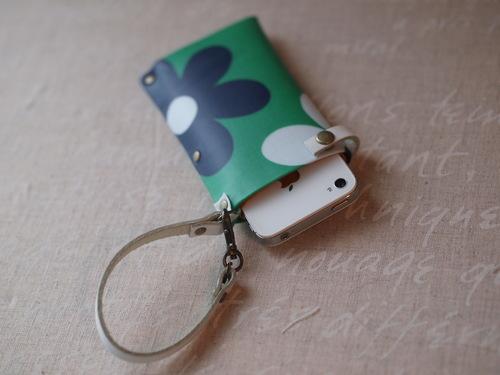カルトナージュ「i-phone case」_e0243765_11243223.jpg
