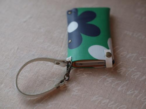 カルトナージュ「i-phone case」_e0243765_12121830.jpg