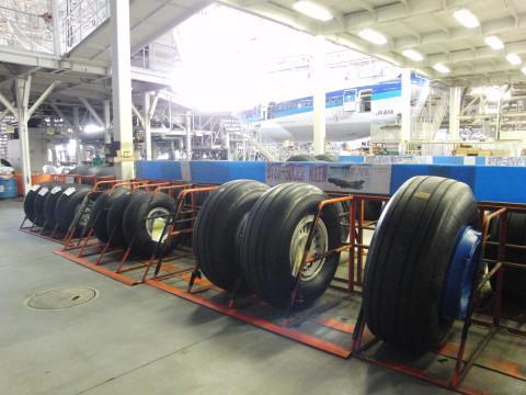 機体工場見学_a0023246_23273912.jpg