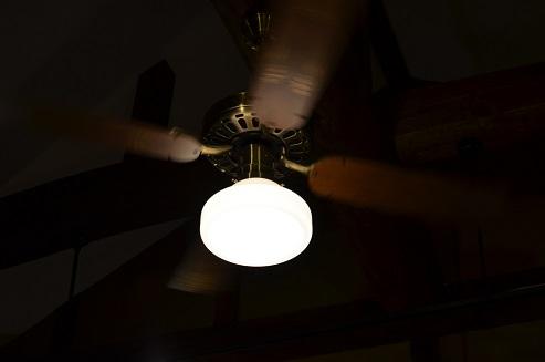 ギャラリーのちょっぴりエッチな照明_d0230676_10532524.jpg