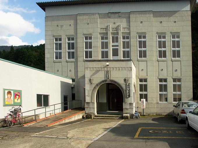 旧山口村役場_f0116479_19575867.jpg
