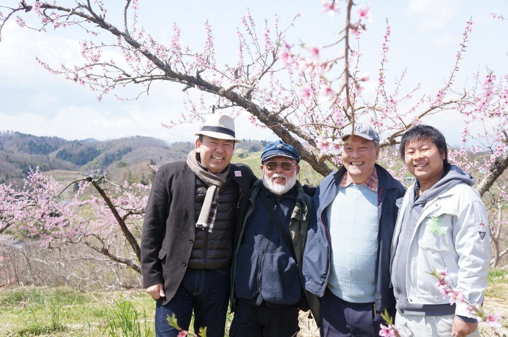 福島日記@ベルリンVol.3 桃の花とお好み焼き!_c0180686_22121877.jpg